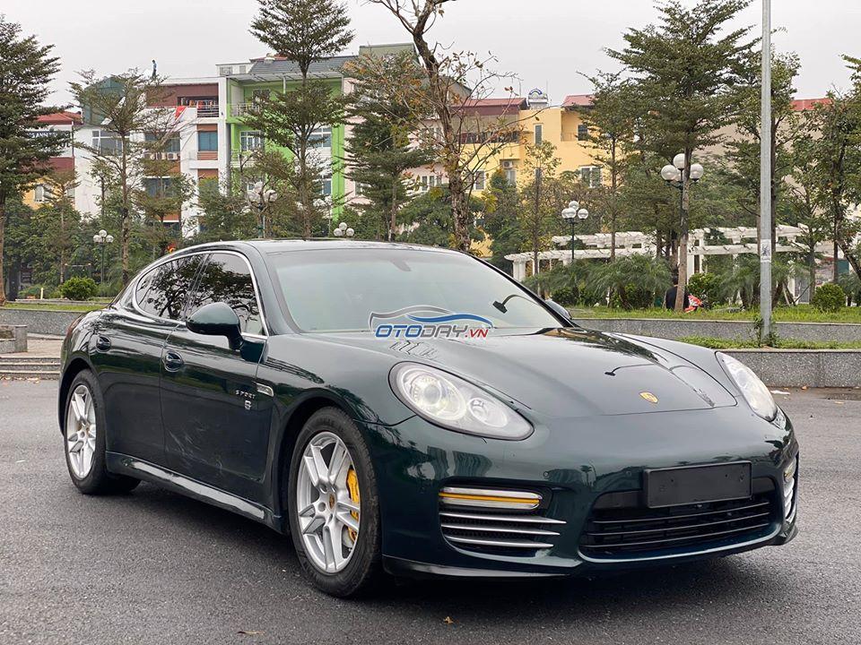 Porsche Panamera 4S 10/2010