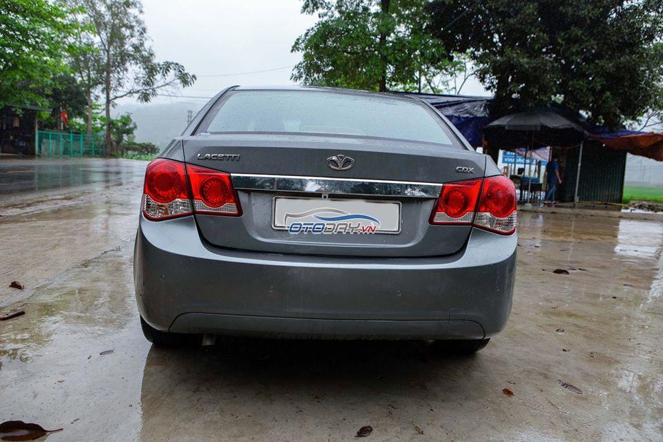 Gia đình Mình cần Bán xe Lacetti CDX nhập khẩu model2010 AT