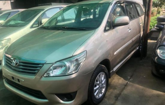 Toyota Innova 2.0 . Bản E . Sản xuất 2012