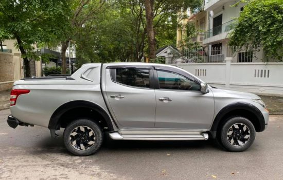 Mitsubishi 2.4 bản 4×4 mivec 2 cầu điện model 2018