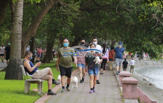 Chủ tịch Hà Nội yêu cầu phạt người thuộc diện không được phép ra đường