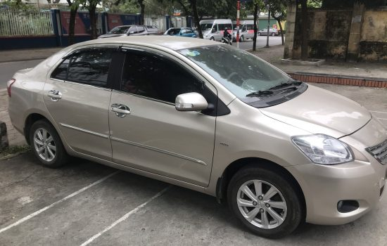 Gia đình cần bán Toyota Vios E máy 1.5 màu ghi vàng sản xuất và đăng kí 2014 biển Hà Nội