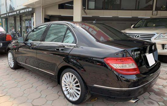 Bán xe Mercedes C250 CGI màu đen sản xuất và đăng kí 2010.