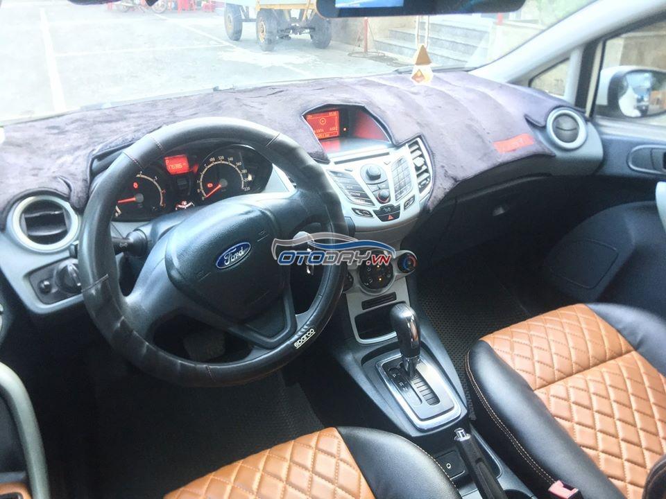 Ford Fiestar số tự động 1.6 đời 2011