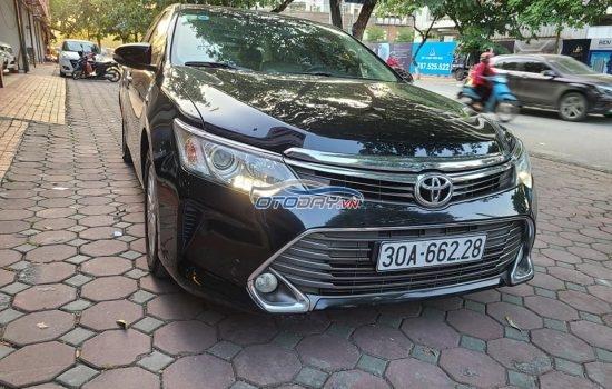 Toyota Camry 2.0E sx cuối 2015 fom mới 2016