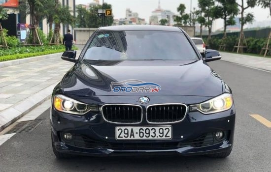 BMW320i_SPORT_LINE model 2013