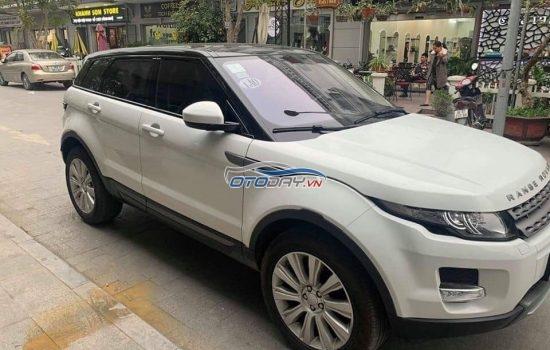 Range Rover HSE Sport màu trắng, sx năm 2013 đk 2014.