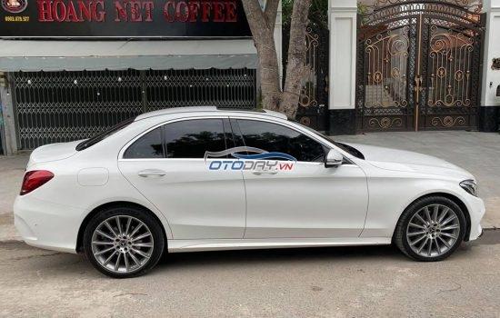 Merrcedes C300_AMG model 2019 ( trắng nội thất đỏ )