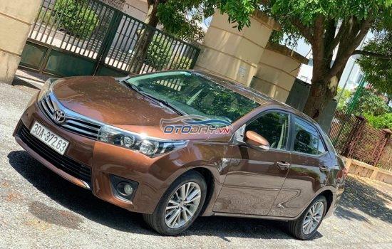 Toyota Altis 1.8 AT cuối 2014 model 2015 cực chất