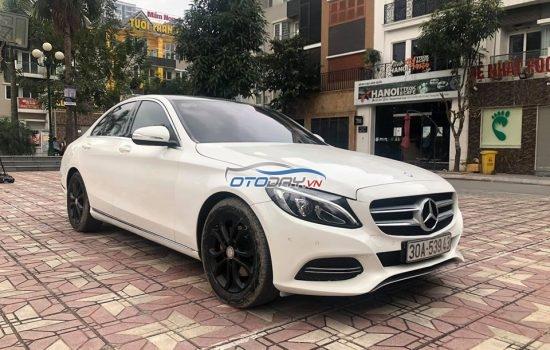Merc C200 trắng model 2017