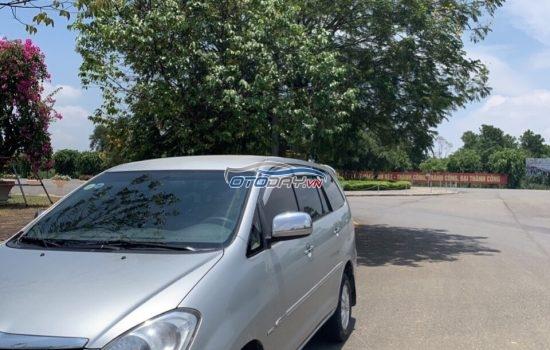 Bác Nhân bán Innova G 2009 xe gia đình sử dụng