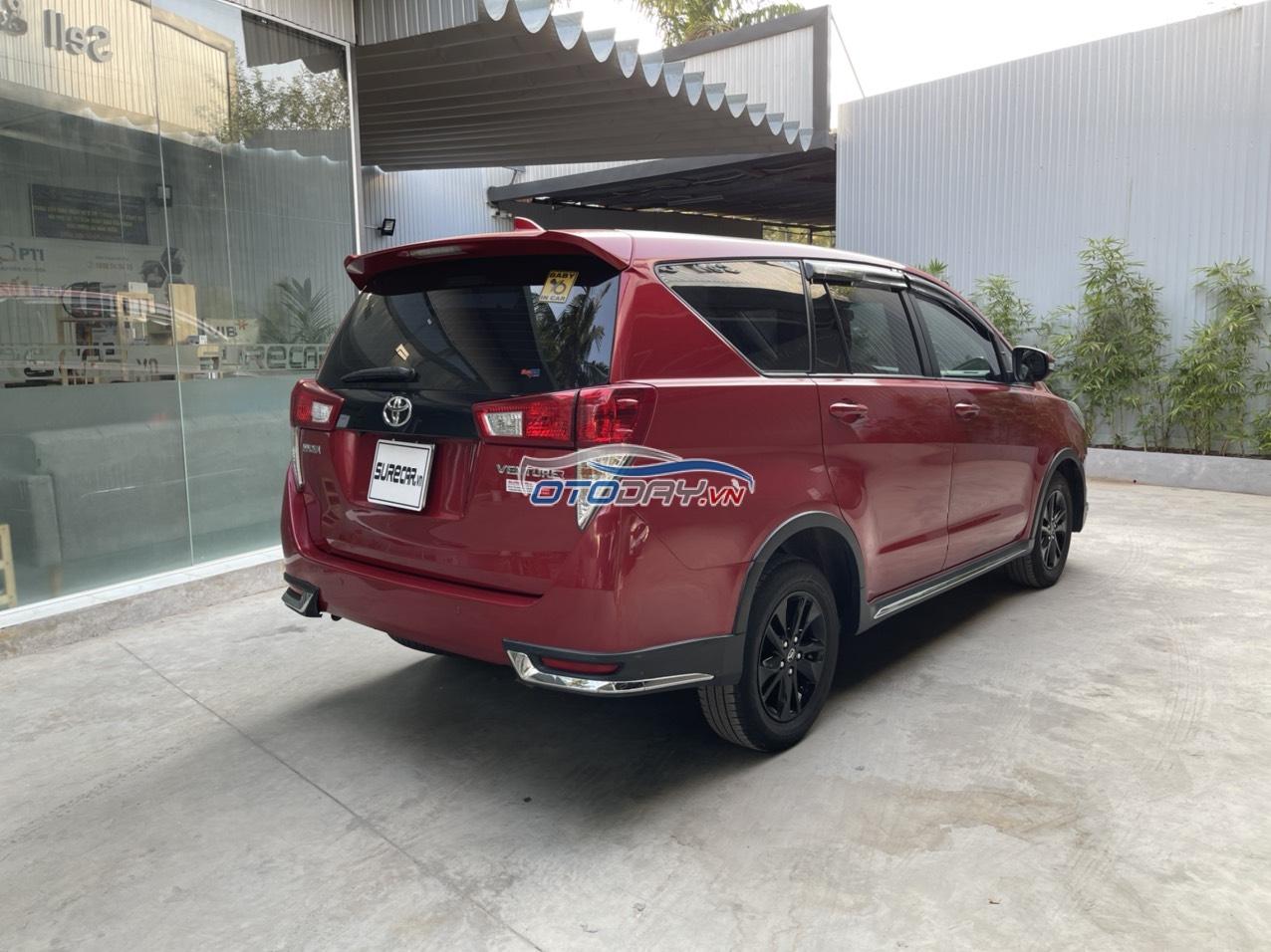 Bán xe Innova Venture 2018